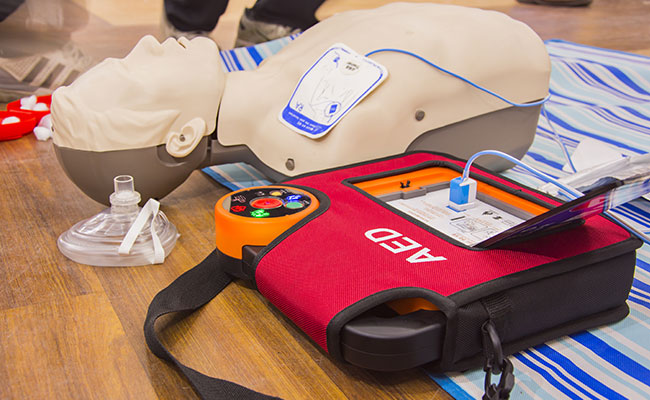Aed Defibrillator device and CPR dummy