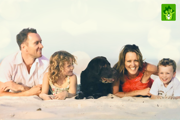 Scott, Mel and the Whimpey Family on the Beach